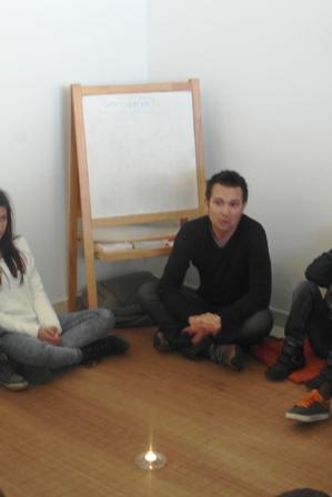 Crianças debatem os Princípios do Reiki em sessão de Filosofia