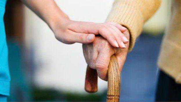 Reiki para Seniores, uma partilha da experiência na terapia em voluntariado