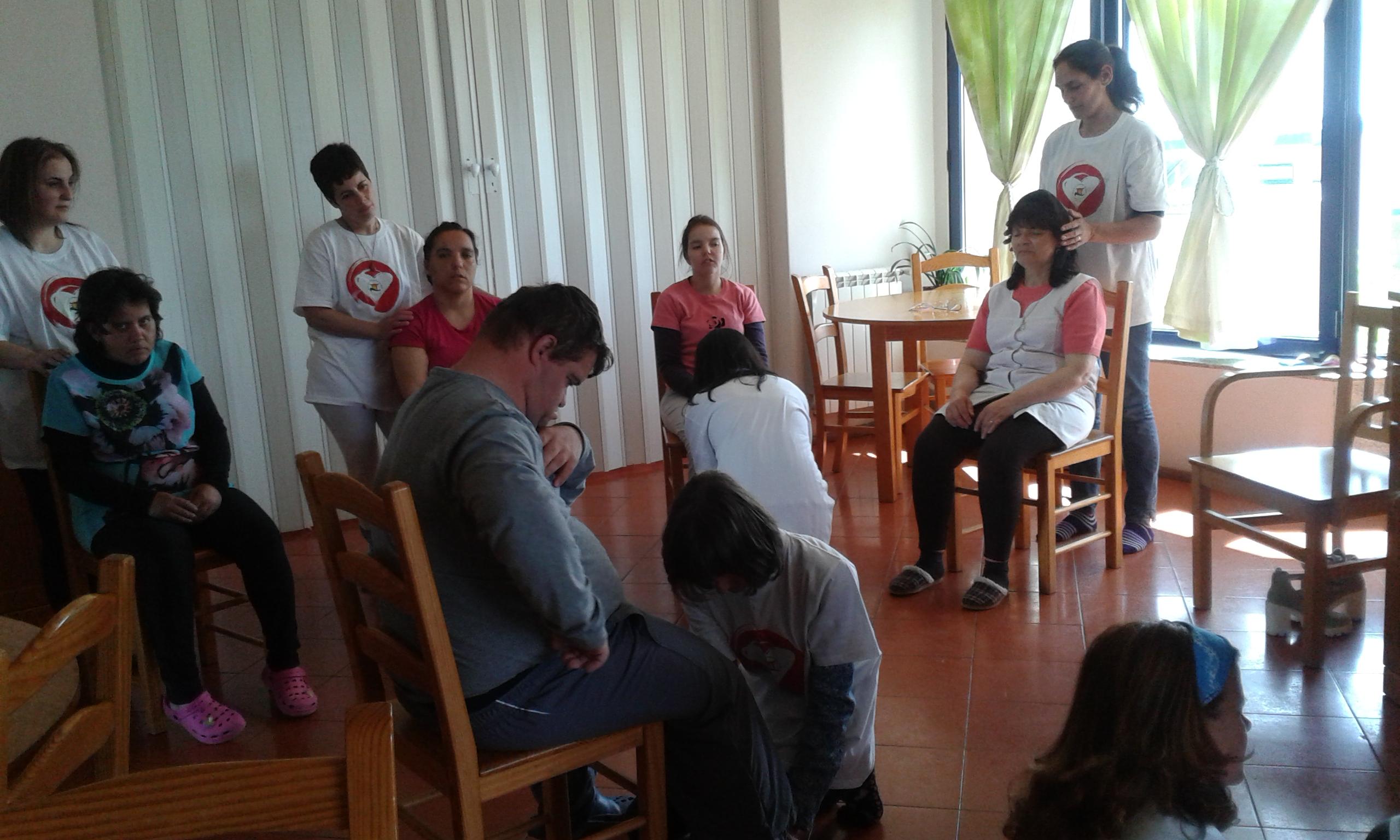 Sessões de Voluntariado pelo Núcleo da Guarda na ASTA (Associação Sócio Terapêutica de Almeida)