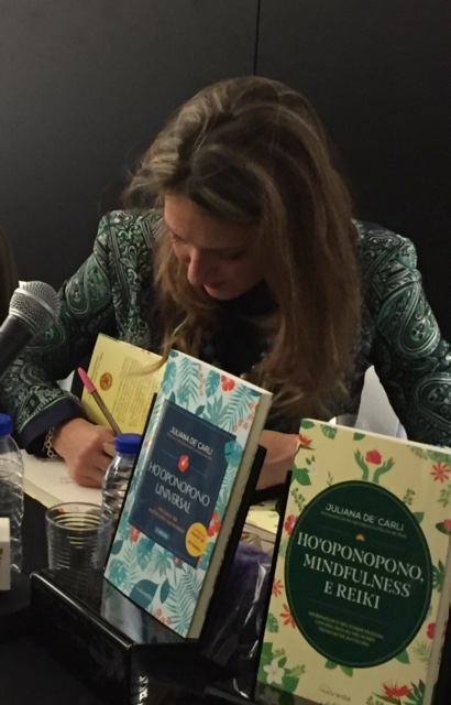 Entrevista a Juliana De' Carli sobre o livro Ho'oponopono, Mindfulness e Reiki